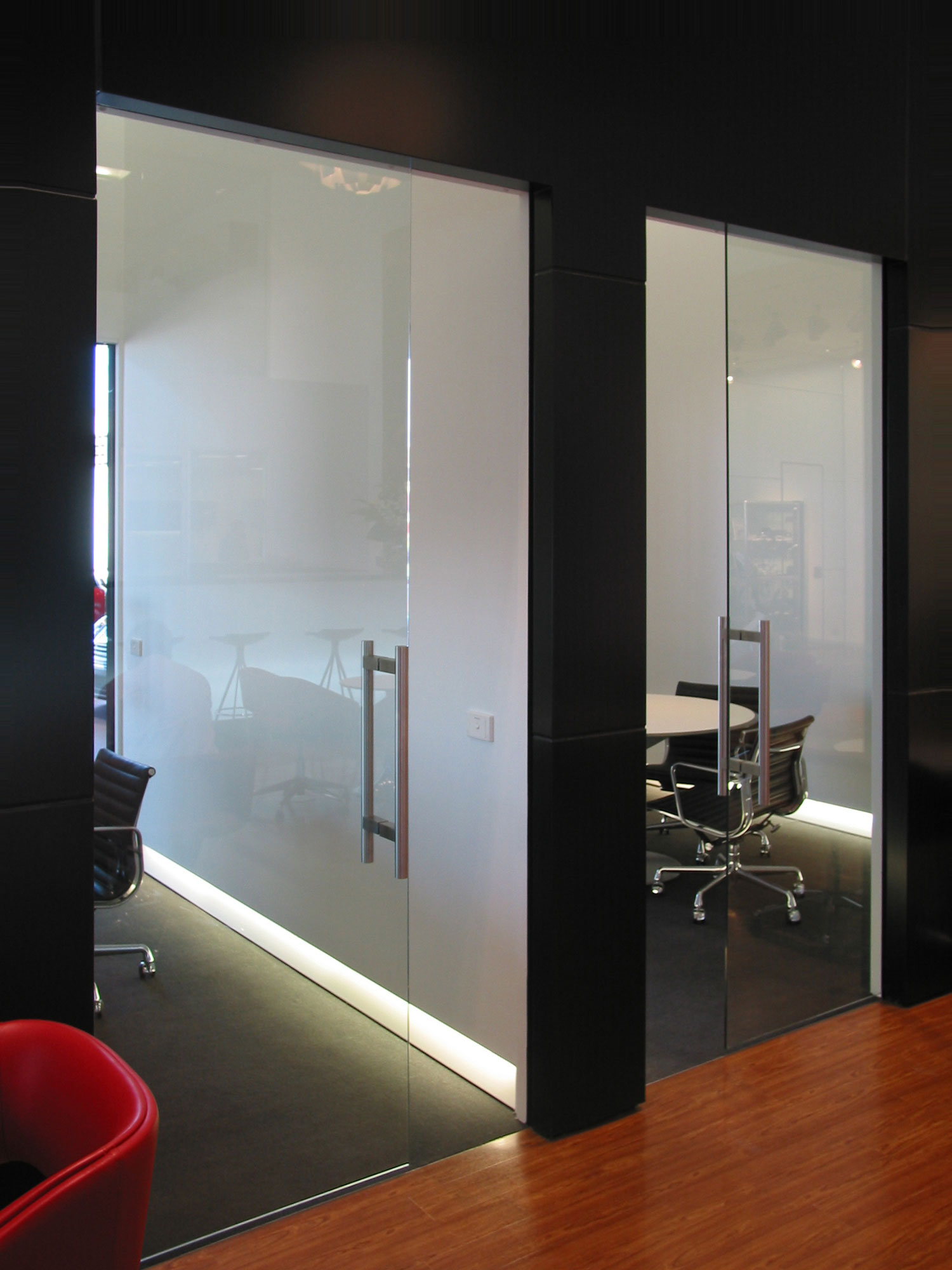 Frameless glass cavity slider frameless glass with squarestop detail planetlyrics Images